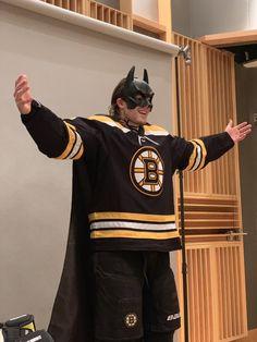 Boston Bruins Players, Boston Bruins Hockey, Blackhawks Hockey, Hockey Memes, Funny Hockey, Brad Marchand, Best Kisses, Boston Sports, Book Boyfriends