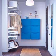 0 Likes - Entdecke das Bild von COUCH_Living auf COUCHstyle zu 'Kleiderschrank aus Aufbewahrungssystemen #teppich #a...'.