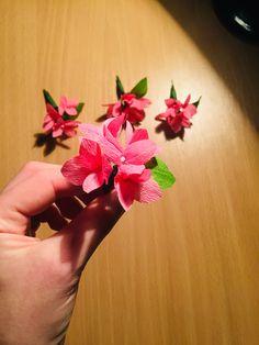 #paper flowers Crepe Paper Flowers, Jewelry, Jewellery Making, Jewerly, Jewelery, Jewels, Jewlery, Fine Jewelry, Accessories