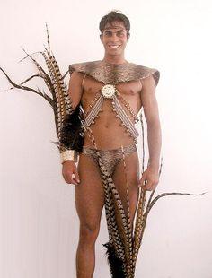 ... competencia en trajes tipicos del concurso mister internacional 2003