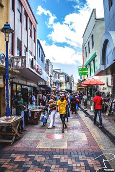 Swan Street in Bridgetown - Land of the bargains! - Double click on the photo to get or sell a travel guide to #Barbados