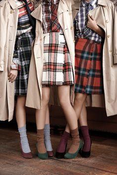Vestidos tartán para un estilo colegial. Genial con estos #pumps de #ante.