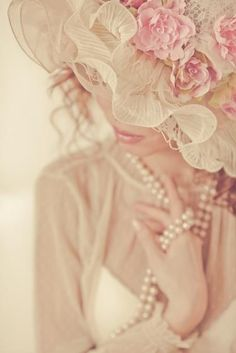 #Pearls Cream & Pink