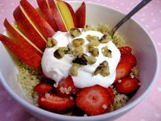 High-Protein Vegan Breakfasts: Quick Quinoa Bowl