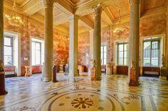 Die Sammlung der St. Petersburger Eremitage umfasst beinahe zehn mal so viele Ausstellungsstücke wie der Pariser Louvre, Russland