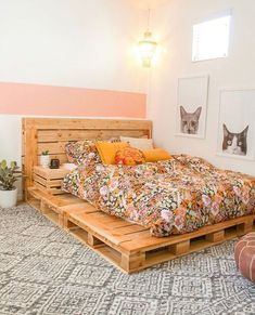 Palettenbett Pallet bed boho bedroom Is it OK to put my Kid on a Diet? Wood Pallet Beds, Diy Pallet Bed, Pallet Bedframe, Beds On Pallets, Diy Pallet Furniture, Pallett Bed, Diy Pallet Projects, Pallet Ideas Bedroom, Bed On Crates