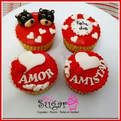 cupcakes amor y amistad vainilla pinksugar#pinksugar #cupcakes  #barranquilla #pasteleria #reposteriacreativa #tortas #fondant #reposteriabarranquilla #happybirthday  #cake #baking  #galletas #cookies  #pinksugar #wedding #buttercream #vainilla #minion #minions #oreo #music #cupcakesbarranquilla #brownie #brownies #chocolate #teamo #amoryamistad #cupcakesamoryamistad #cupcackespersonalizados