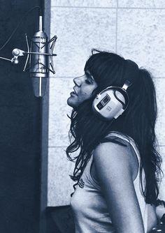 Linda Ronstadt recording at Muscle Shoals Studio, 1970