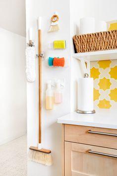 super ideas for tiny apartment organization command hooks Coat Closet Organization, Home Organization Hacks, Kitchen Organization, Kitchen Storage, Organized Kitchen, Organizing Ideas, Kitchen Hooks, Organising Tips, Organizing Solutions