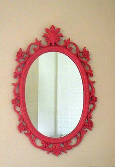 Espelho francês pintado de vermelho