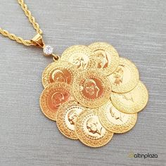 On Çeyrek Altınlı Halat Zincirli Kolye Bridal Necklace, Bridal Jewelry, Beautiful Dress Designs, Golden Design, Coin Jewelry, Gold Jewellery Design, Gold Coins, Wedding Wear, Swarovski