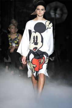 Mickey Dress ************************Easy } High } Fashion } Editorial } Cosplay } Modern } Best } Models } Runway } #CaraDelevingne } #KendallJenner } Couture } Artsy } Crazy } Costume } Halloween } #Comiccon www.STATEOFCHIC.com State of Chic does not own any rights to this content. We are only repining great ideas to share. Cuz we're the BOMB! Booyah!