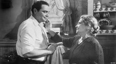 Images from The Big Heat by Fritz Lang - Pretty Clever FilmsPretty Clever Films Turner Classic Movies, Classic Films, Old Movies, Great Movies, Classic Hollywood, Old Hollywood, Top 10 Films, Oscar Movies, Best Actor Oscar