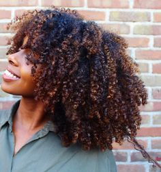 48 Ideas hair color highlights natural curls for 2019 Dyed Natural Hair, Pelo Natural, Natural Hair Tips, Natural Curls, Dyed Hair, Natural Hair Styles, Natural Wigs, Natural Beauty, Natural Hair Growth
