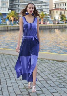 Stylish and practical casual maxi dress with wide navy blue and lilac stripes, with high side cuts for easy walking. Discover all Maxi Dresses from New Collection in Stylati online store. Sport Chic, Fashion Seasons, Spring Summer 2018, Print Patterns, Sequins, Denim, Casual, Fashion Trends, Color
