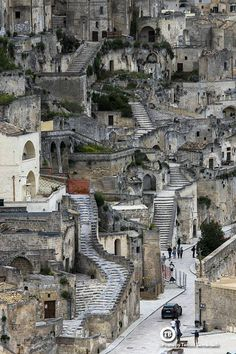 Matera is a city on a rocky outcrop in the region of Basilicata, in southern Italy. Places To Travel, Places To See, Travel Destinations, Italy Vacation, Italy Travel, Places Around The World, Around The Worlds, Beau Site, Wonders Of The World