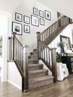 Most popular creative stair railing ideas to develop a focal point in your home 15 – fugar Loft Railing, Stair Railing, Railing Ideas, Banisters, Railings, Deco Design, Design Case, Design Design, Interior Design Living Room