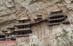 #Constructions #insolites dans la roche... #originales