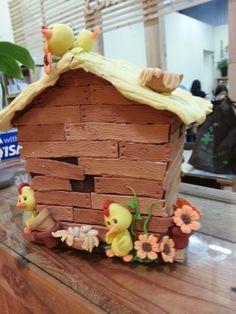 Chicken coin box..annie yenji