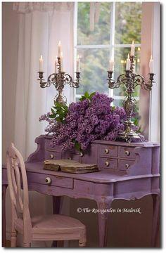 Small desk ~ Annie Sloan Chalk Paint