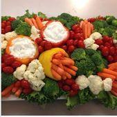 Super wedding food platters veggie tray 21 ideas - Zoey M. Veggie Platters, Party Food Platters, Food Trays, Cheese Platters, Vegetable Trays, Party Trays, Vegetable Tray Display, Fruit Trays, Healthy Snacks