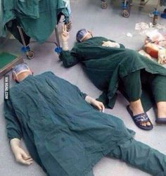Doctors lying on the floor after a 32-hour operation, they removed a series of brain tumors from a single patient, Respect! - 9GAG