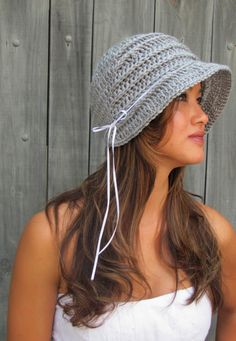 FLAPPER Cloche Hat Summer Bonnet Hat - kinda reminds me of a baby Bonner lol but I still would wear it :P