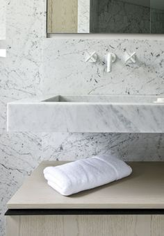 Bathroom in marble. Project Friedland by Guillaume Terver and Christophe Delcourt Associes.