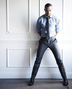Jesse Williams Sizzles Through Hollywood Grey's Anatomy, Detroit Become Human Actors, Jessie Williams, Jackson Avery, Fitted Suit, Mens Fashion Suits, Well Dressed Men, Attractive Men, Fashion 2020