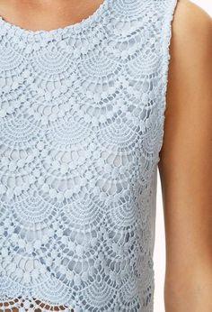 a0324d18751 Baby blue scalloped-hem crochet top ( close up )