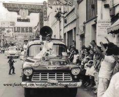 fotografía de JOVITA FEIJOO, la Reina Eterna del Viejo Cali, abriendo uno de los… Cali Colombia, Thesis, Memories, Challenges, Social Science, Barranquilla, Transportation, Memoirs, Souvenirs