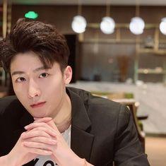 Korea Boy, Pinterest Photos, Cute Photos, Hot Boys, Ulzzang, Brother, Boyfriend, Singer, China