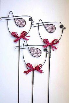 Wire art: These birds would look fabulous in my flower garden!