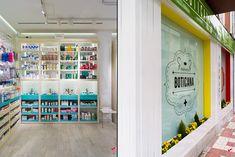 Boticana pharmacy by Marketing Jazz Jaen Spain #diseño #farmacia #salud #design #pharmacy #apotheke #health #healthy http://retaildesignblog.net