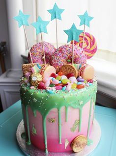 New birthday cake kids girls desserts ideas Candy Cakes, Cupcake Cakes, Oreo Cupcakes, Mini Cakes, Cute Cakes, Yummy Cakes, Beautiful Cakes, Amazing Cakes, Kreative Desserts
