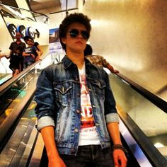 Billy Unger.....is he cute or what