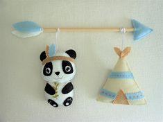 Tribal mobile Décoration  murale Panda Tipi et Flèche Felt Crafts, Diy And Crafts, Baby Deco, Wooden Arrows, Felt Banner, Felt Fox, Panda Party, Baby Box, Felt Fabric