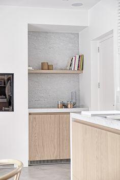 Shades of grey Contemporary Kitchen Design, Interior Design Kitchen, Beach House Kitchens, Home Kitchens, Cocinas Kitchen, Mid Century Modern Kitchen, Minimalist Home Interior, Beautiful Interior Design, Küchen Design