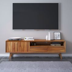 Living Room Tv, Apartment Living, Home And Living, Living Spaces, Living Area, Tv Console Modern, Midcentury Modern Tv Stand, Retro Tv Stand, Modern Entertainment Center