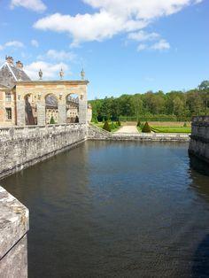 Le Chateau de Vaux Le Vicomte, view of the moat.