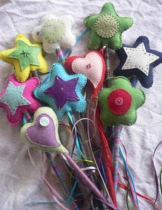 Free Felt Patterns and Tutorials: Free Felt Tutorial >Colorful Magic Wands