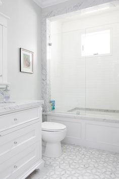 marble floor small bathroom marble mosaic floor tiles white vanity marble bath surround bath decor and accessories bathroom grey bathrooms marble bath marble floor bathroom design Hall Bathroom, Upstairs Bathrooms, Bathroom Floor Tiles, Bathroom Interior, Master Bathroom, Bathroom Cabinets, Bathroom Vanities, Bath Tiles, Ikea Bathroom