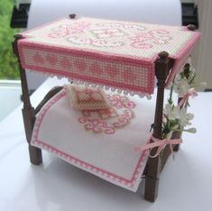 dolly's house bed