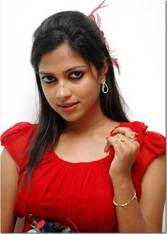 Here are some pictures of the upcoming South Indian actress posing hot pictures.She Amala Paul has a real talent in the Performance and fitness of body and face, to fit as an actress.