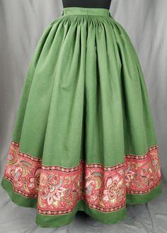 FALDA PARA INDUMENTARIA TRADICIONAL Folk Clothing, Aragon, Edwardian Era, Fasion, Coat, Clothes, Dresses, Gypsy Girls, African Outfits