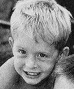 Michael Douglas Celebrities Then And Now, Young Celebrities, Celebrity Baby Pictures, Celebrity Babies, Hollywood Men, Hooray For Hollywood, Childhood Photos, Adolescents, Star Pictures