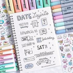 date layout ideas for bullet journal – – idee per il layout della data per il journal bullet – – 20 idee per il layout del journal bullet con cuiBullet Journal Layout Ideas per principianti ed idee per il layout del journal bullet con cui Bullet Journal Headers And Banners, Bullet Journal Titles, Bullet Journal Banner, Journal Fonts, Bullet Journal Notebook, Bullet Journal Aesthetic, Journal Prompts, Bullet Journals, Bullet Journal Index Layout