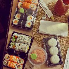 #sushi #japanesse #food #salmon #avocado #californiaspecial