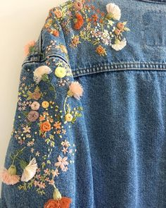 DIY Clothes Jacket etsy - Embroidery Jeans Jacket Etsy 69 Ideas For 2019 Diy Clothing, Custom Clothes, Diy Fashion, Fashion Outfits, Fashion Design, Diy Vetement, Embroidered Clothes, Embroidered Denim Jacket, Embroidered Flowers