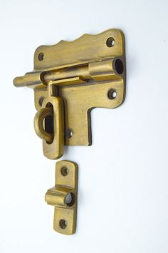 5 X CUPBOARD LATCH EFFECT D HANDLE ANTIQUE BRASS X 5